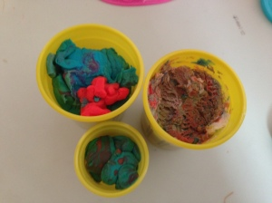 Play-Doh, Play-Doh cans